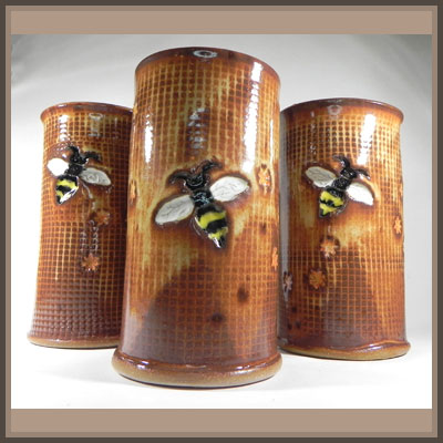 Pottery Online Show-Carvings by G and Z Pottery
